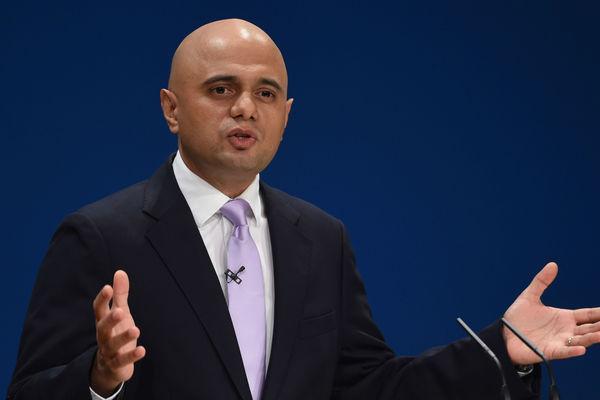 Руководителя МВД Англии ограбили наулице Лондона