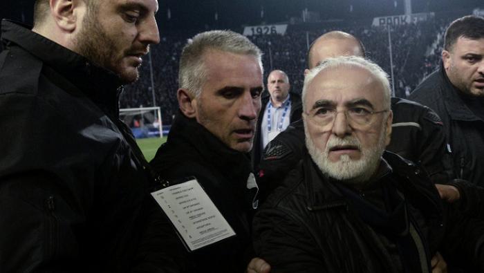 Президент ПАОКа Саввиди извинился за выход на поле во время матча