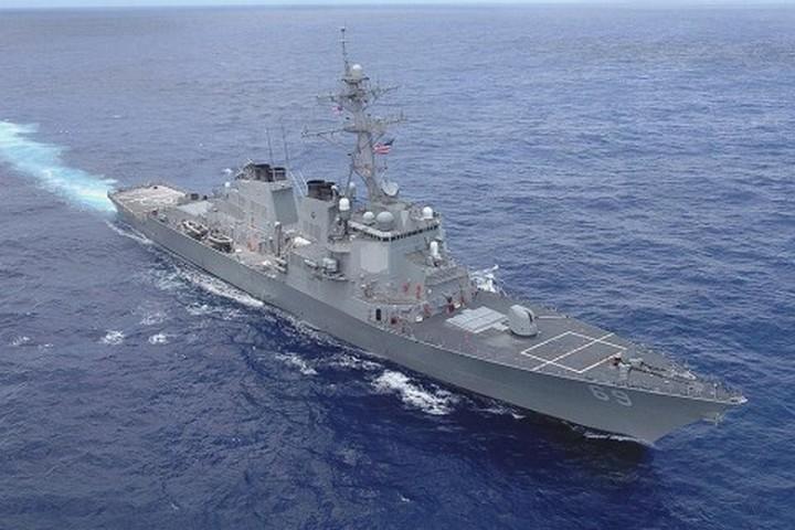 Американский эсминец USS Ross в Черном море