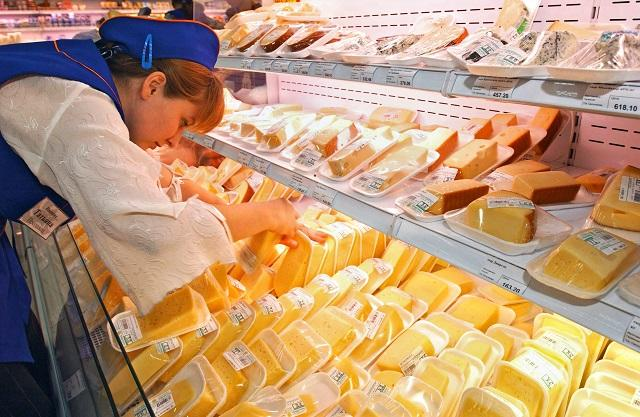 Диетолог рассказала, какому сыру и творогу стоит отдать предпочтение