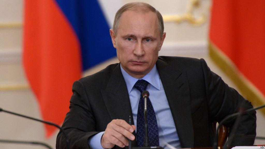 Владимир Путин провел экстренное заседание с Совбезом страны