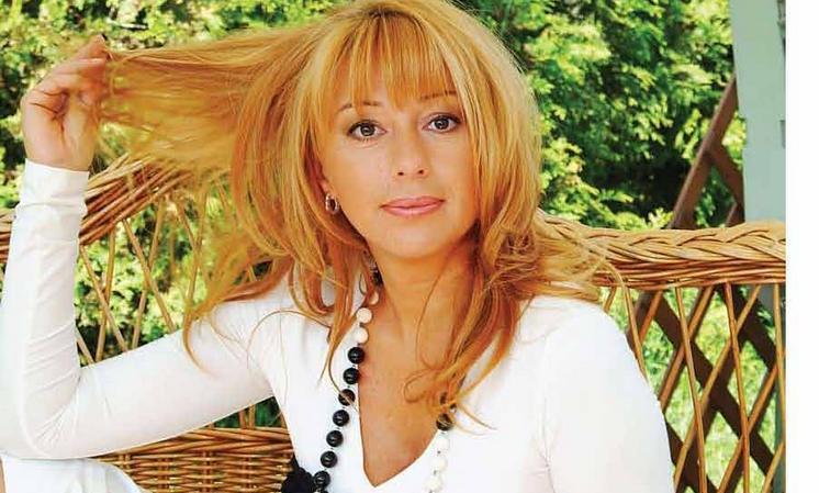 Алёна Апина разводится после 25 лет брака