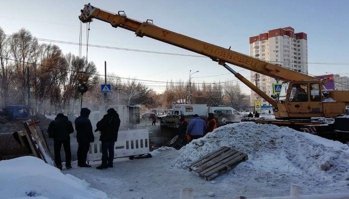 Режим ЧС ввели в Самаре: из-за аварии на теплотрассе два района остались без отопления