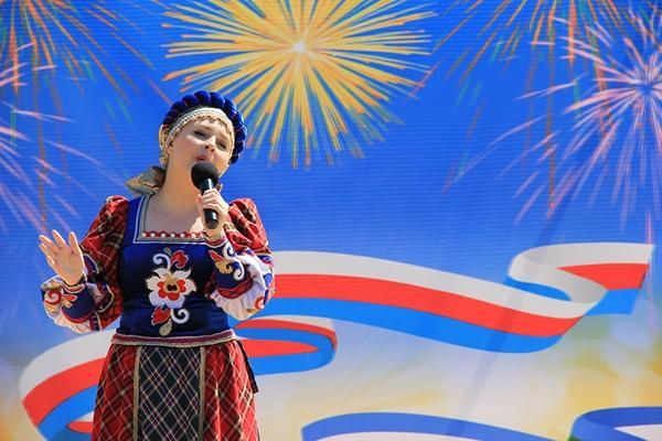 Стихи-поздравления с Днем России 12 июня: короткие, патриотичные четверостишия с Днем Независимости РФ