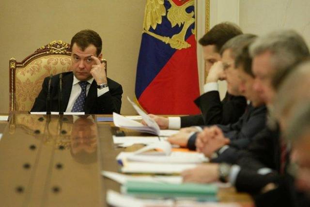 Дмитрий Медведев предупредил, что экономику России ждут непростые времена