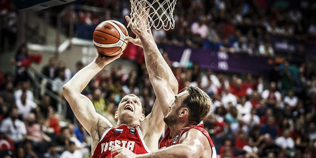 Защитник сборной РФ попал впятерку наилучших игроков Евробаскета
