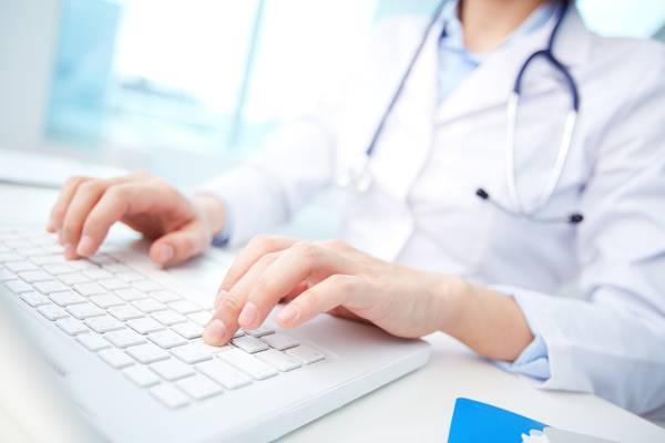 В РФ посоветовали внедрить электронные больничные