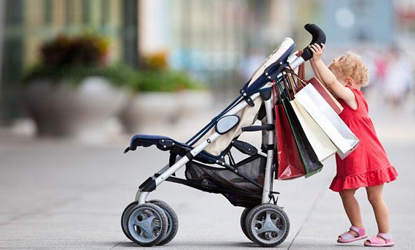 Нести детей на себе не придется – Минтранс РФ разрешил провоз в метро детских колясок