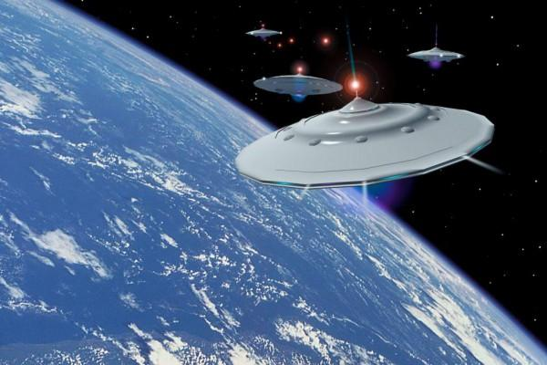 НЛО ищут контакта: пришельцы осаждают МКС
