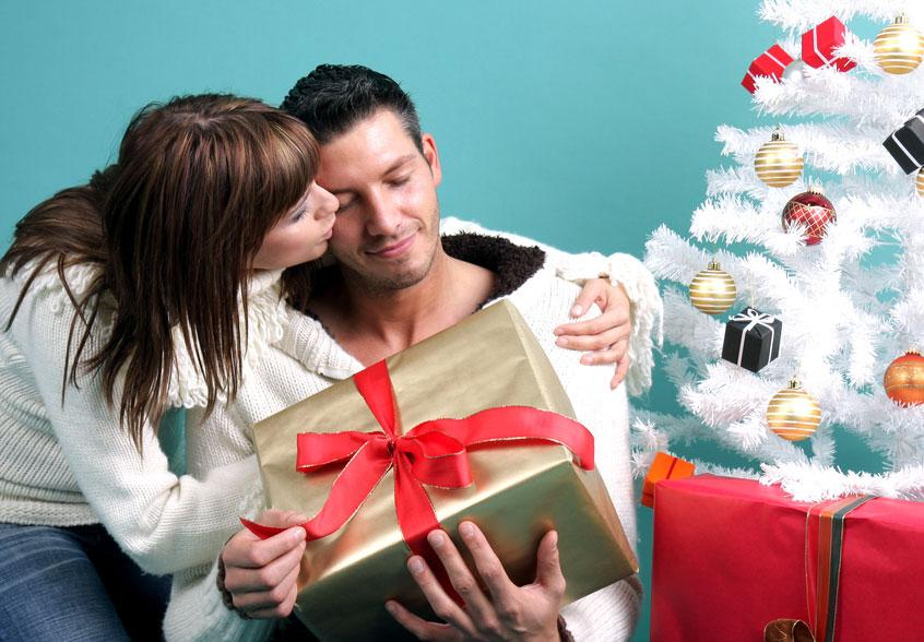 5 сногсшибательных идей для подарка парню на Новый год-2019: что подарить любимому человеку на Новый год – оригинальные и необычные идеи