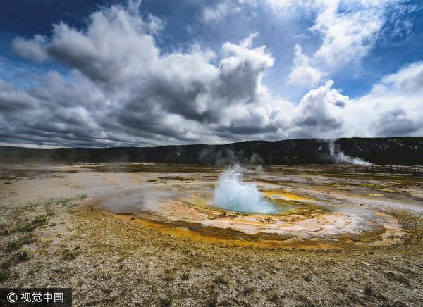 Супервулкан Йеллоустоун не дремлет: на территории национального парка произошло извержение гейзера