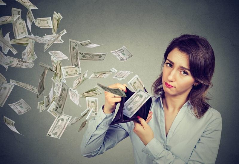 Знаки Зодиака, которые совсем не умеют копить деньги: они тратят больше, чем зарабатывают