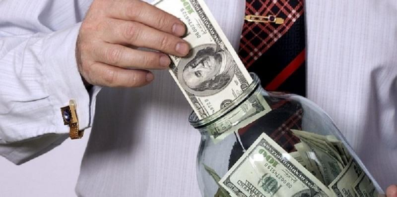 """В России каждый четвертый житель не откладывает сбережения """"на черный день"""""""
