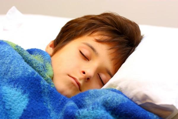 Отсутствие полноценного детского сна приводит к развитию алкоголизма — ученые