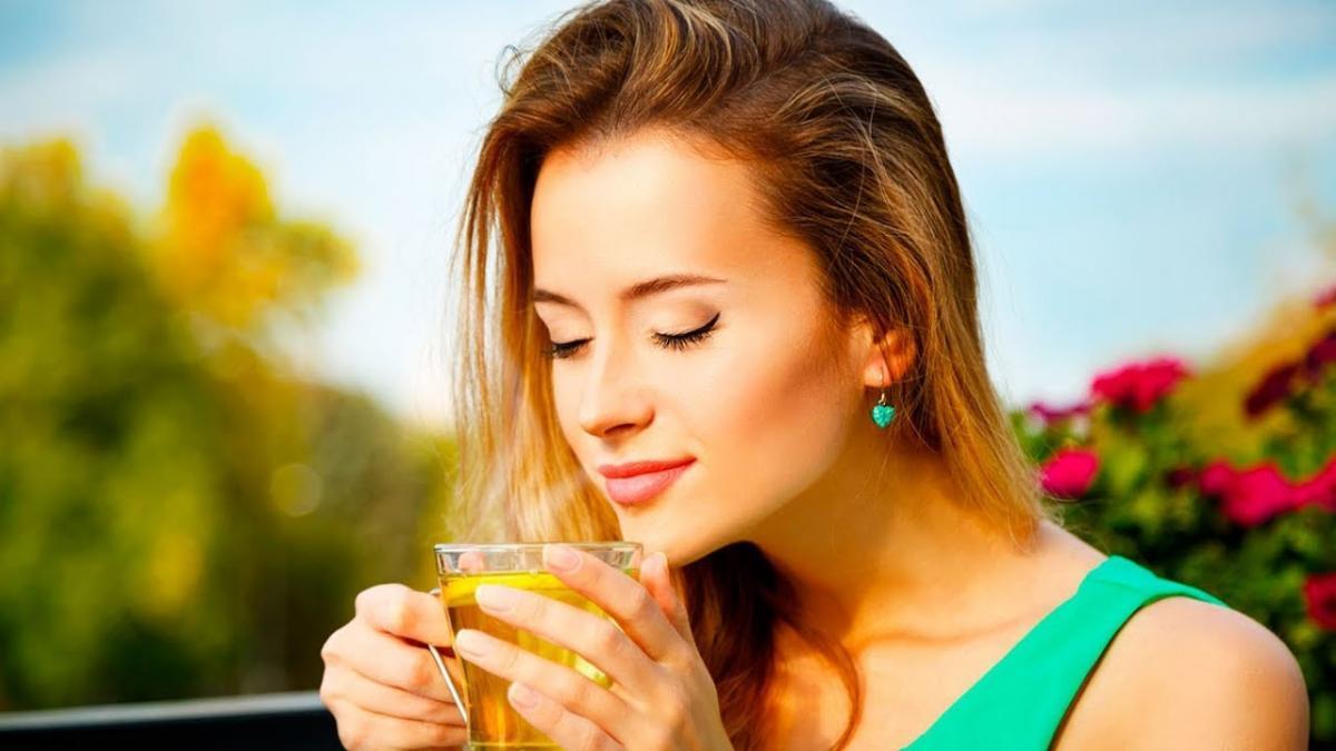 Эксперты назвали лучшие напитки для красоты кожи
