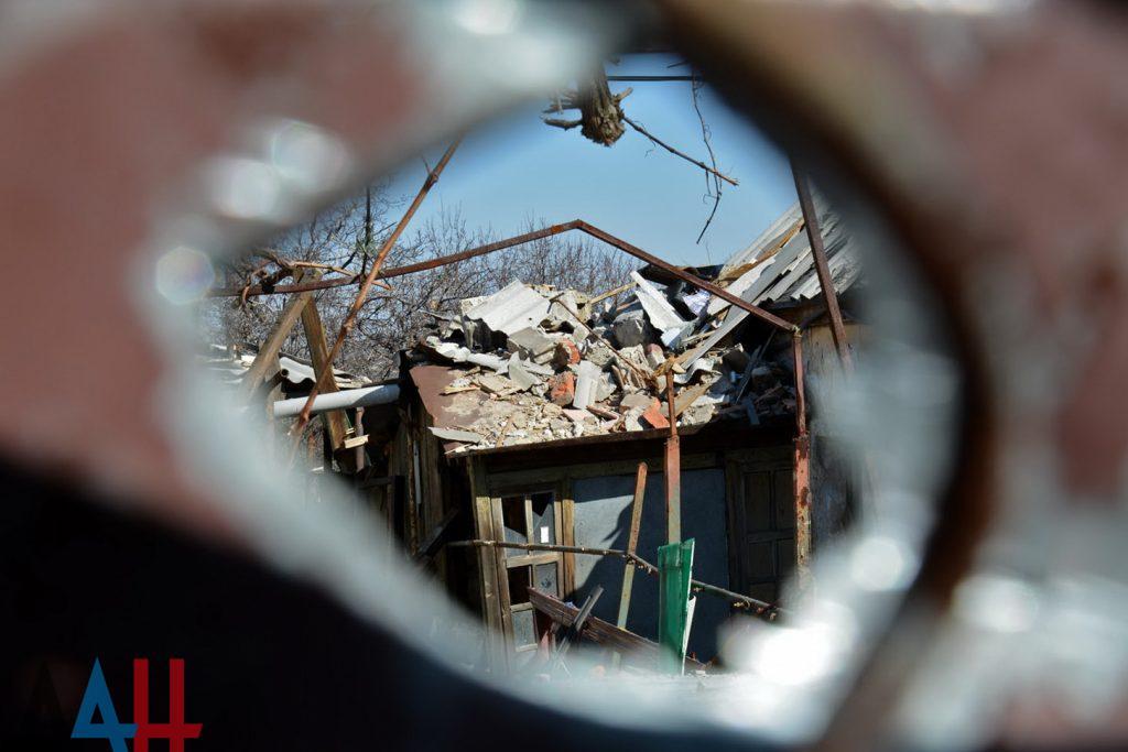 ВСУ ведут массированный огонь попригородам Донецка изминометов итяжелой артиллерии