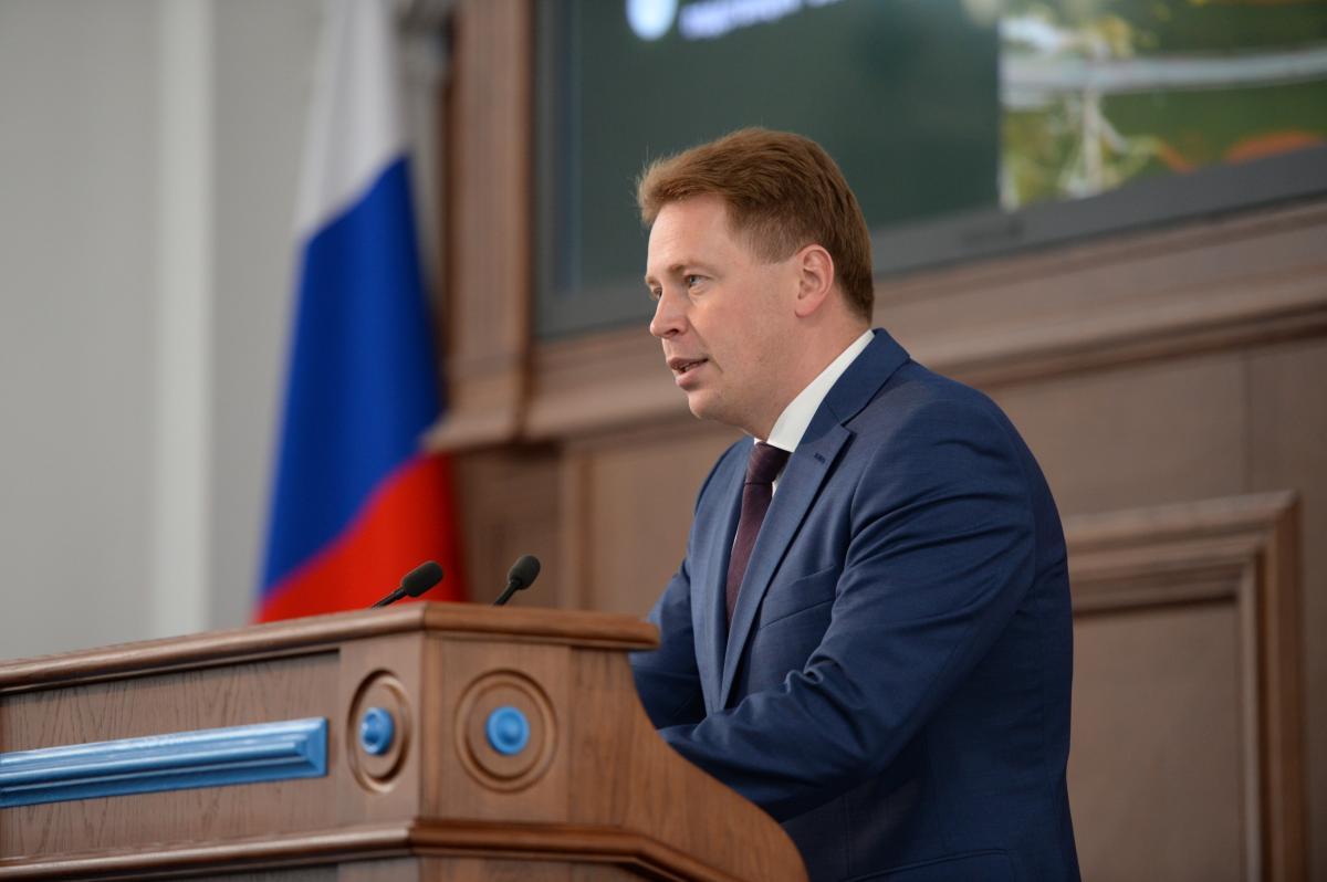 Дмитрий Овсянников сделал замечание излишне экономным департаментам
