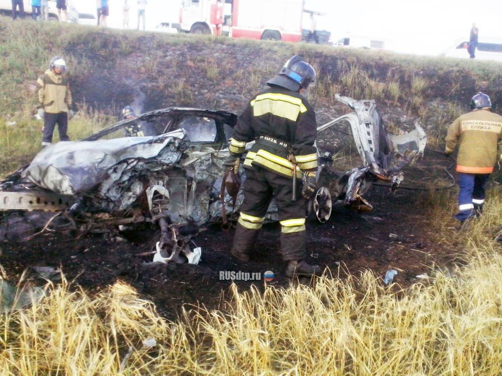 В Башкирии в жутком ДТП с возгоранием фура «смяла»иномарку – погибли 4 человека, в том числе младенец