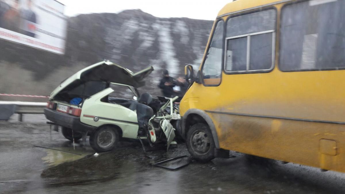 ДТП с маршруткой и ВАЗ