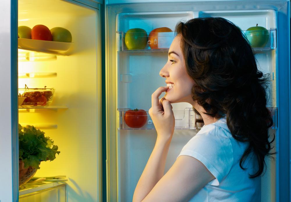 Диетологи назвали продукты, которые можно употреблять на ночь