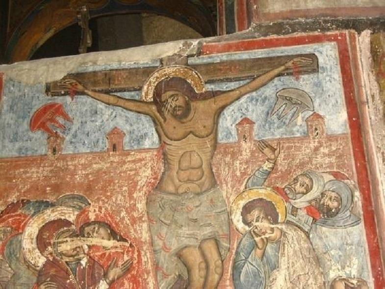 Изображение летающих тарелок найдено в грузинском православном соборе