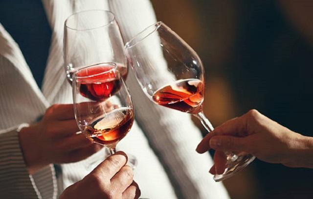 Лучшие отечественные вина назвало Роскачество