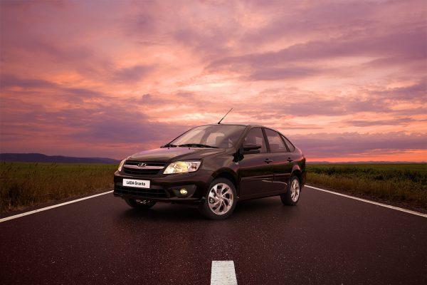 Лада Гранта в новом кузове: подробности появления озвучил дилер АвтоВАЗа