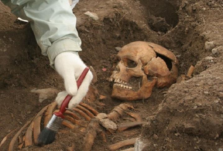 Загадочные захоронения людей с дополнительными конечностями найдены в Перу