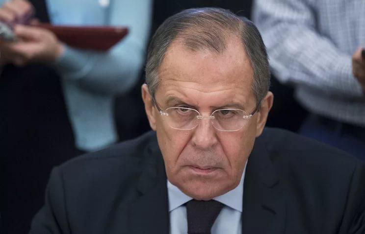Лавров рассказал о шагах Сбербанка в ответ на действия радикалов в Киеве