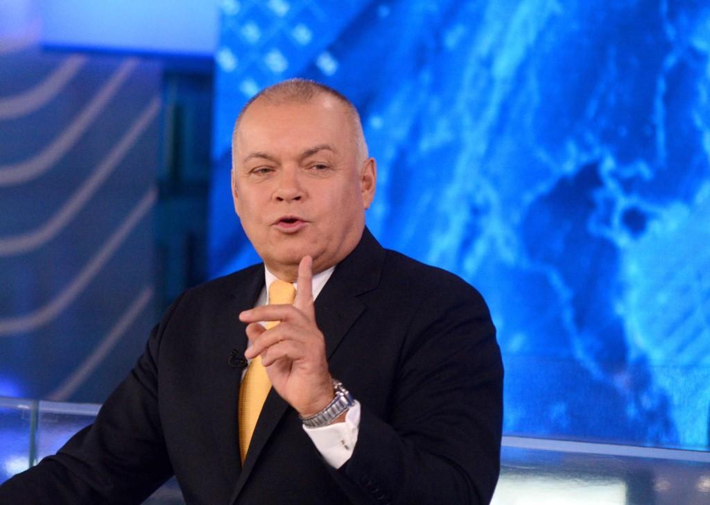 Киселев призвал не кошмарить российских рэперов