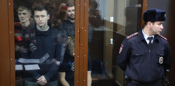 «Это просто позор», – Павел Мамаев отреагировал на решение Мосгорсуда, оставившего под арестом его и Кокорина