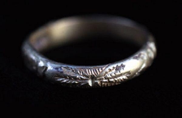 На поверхности Марса обнаружено драгоценное кольцо
