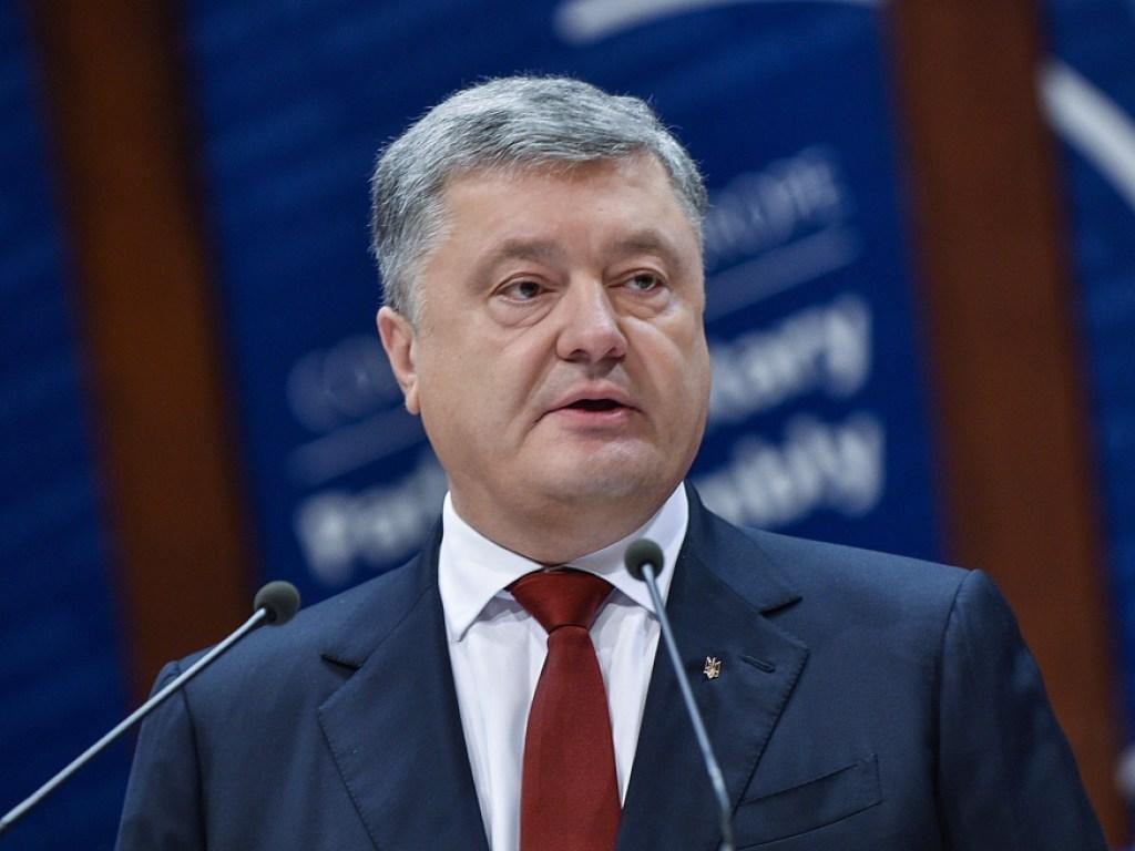 Удар будет огромный: на Украине оценили решение Порошенко о вводе военного положения