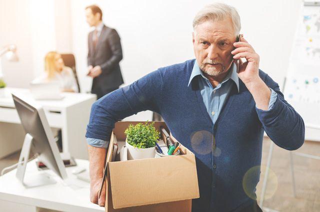 Работодателям, увольняющим людей предпенсионного возраста, грозит уголовное наказание