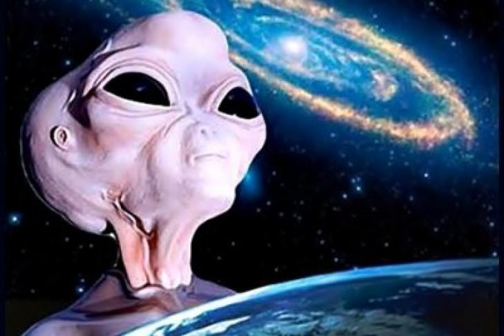 Инопланетянин в космосе
