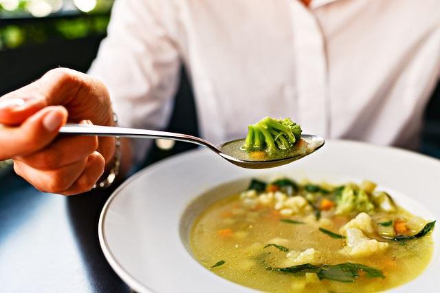 """Российские диетологи """"вычислили"""" самый полезный и самый вредный суп"""