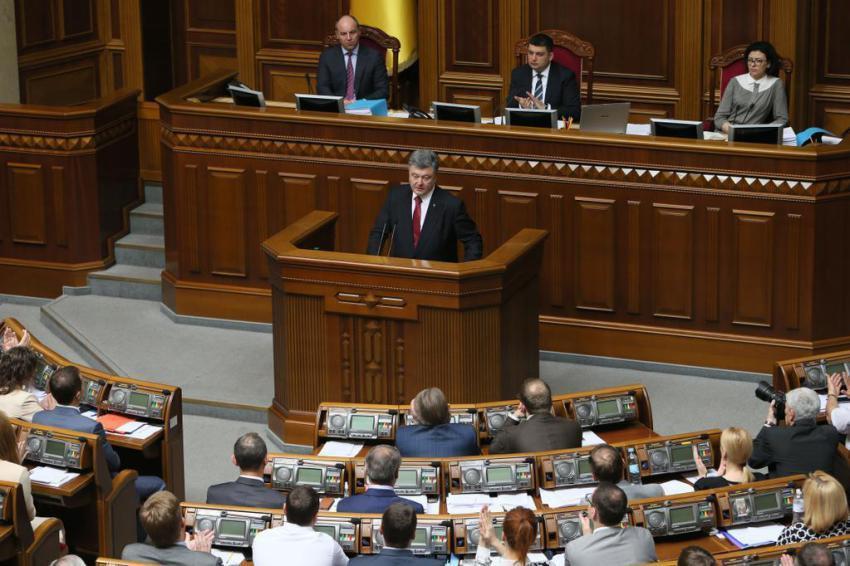 Порошенко пообещал депутатам Рады, что российской военной базы в Севастополе не будет