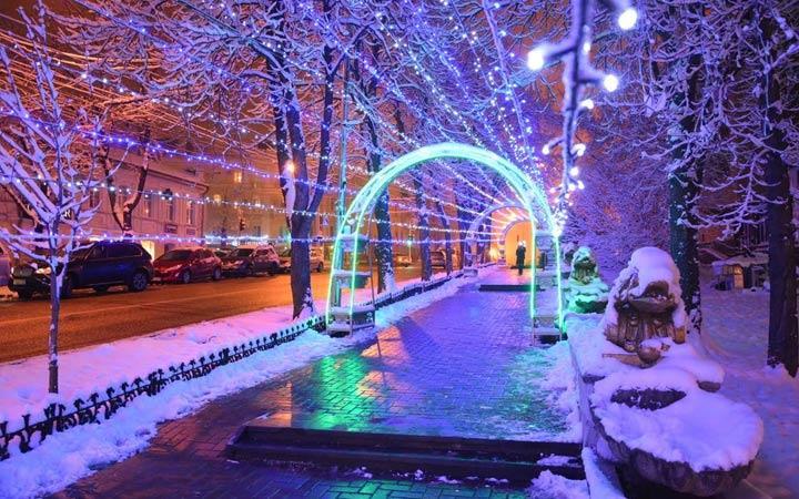 Мэрия Ставрополя потратит почти 30 млн рублей на освещение в центре города