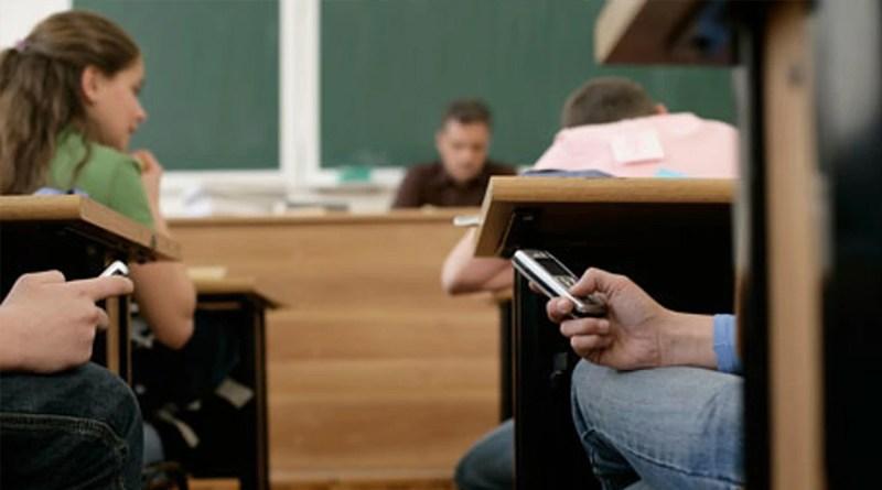 Школьник из Красноярска изобрел «живой» учебник физики.