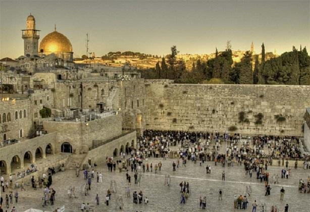 В Иерусалиме увидели знак прихода Мессии: вода потекла из стены храма