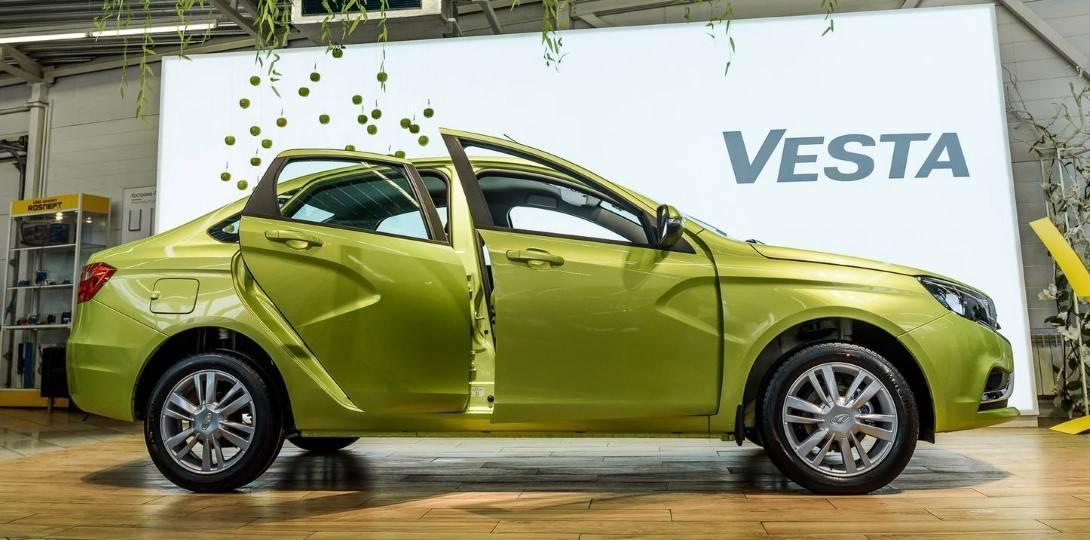 АвтоВАЗ обещает оснастить Lada Vesta и XRAY вариатором