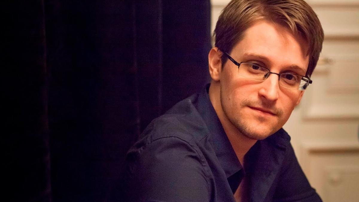 Сноуден рекомендовал чиновникам не использовать WhatsApp и Telegram