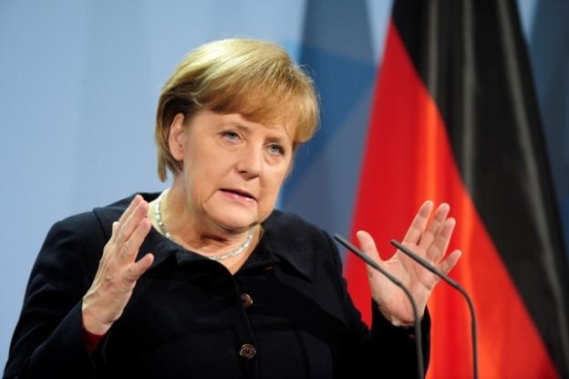 """Меркель призвала Порошенко сделать решающий шаг в реализации """"Минска-2"""""""