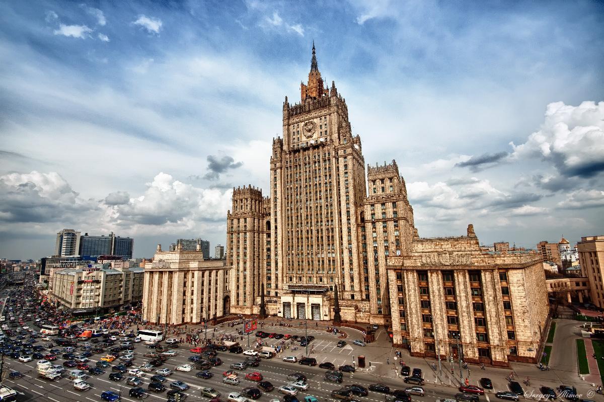 Захарова эмоционально высказала США свое мнение на обвинения России в «варварстве»