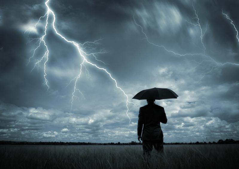 Удар молнии: кто становится жертвой стихии?