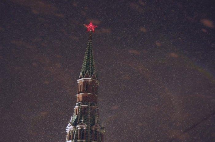 В Москве идет первый снег