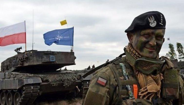 Guardian: НАТО играет в опасную игру в Прибалтике