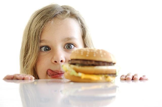 Психологи узнали, какая черта характера может защитить подростков от ожирения