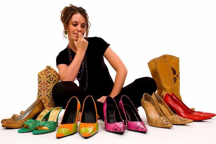 Эволюцию моды навысокие каблуки показали втрехминутном ролике