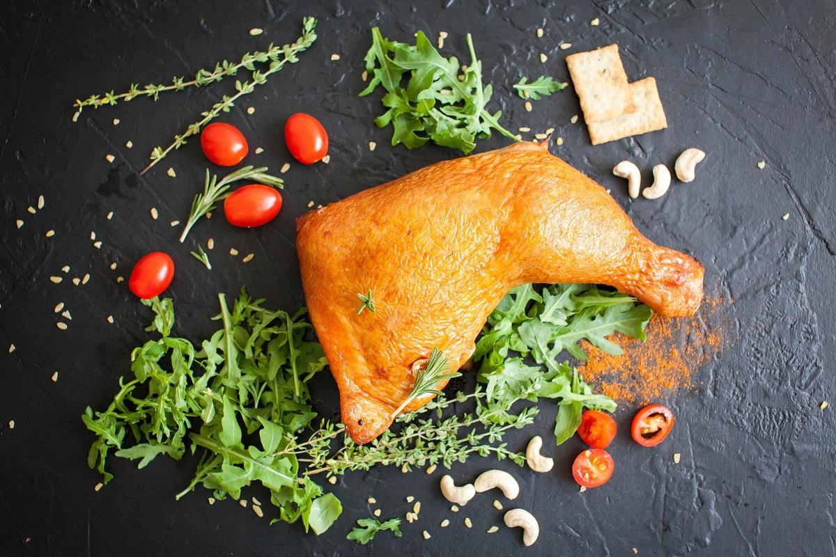 Росконтроль проверил копченую курицу, пять популярных брендов попали в Черный список